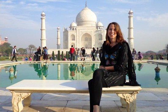 Majestic Taj Mahal With Pinch Of Spice