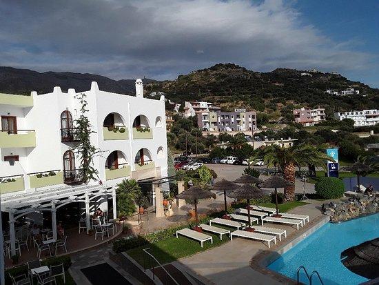 Hotel Alianthos Garden Photo