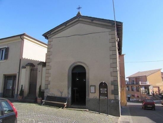 Sutri, Italie : facciata
