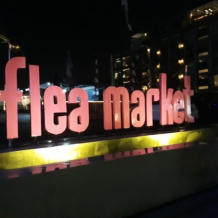 The Flea Market Petitenget