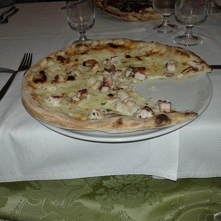 immagine Pizzeria O' Luzzanese In Benevento