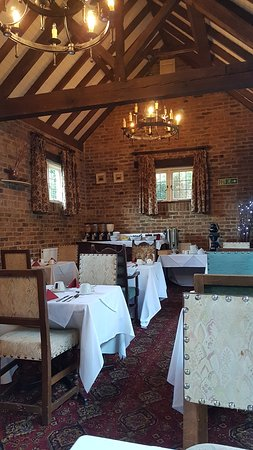 George Hotel Dorchester-on-Thames: The dining room where you have breakfast / dinners