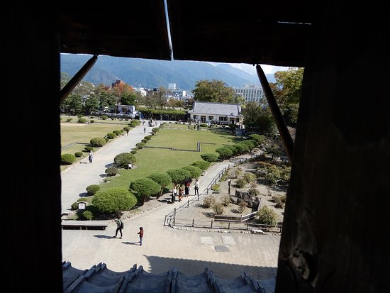 Matsumoto Castle: View of the grounds from within the castle