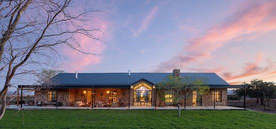 Cederberg Ridge Wilderness Lodge: Homestead main building view