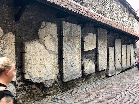Tallinn, Estonie : Tombstones