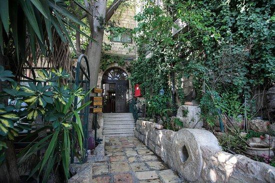 Jerusalem Hotel: Entrance