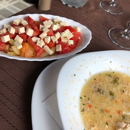 Have lunch in Bosnia after visiting Plitvice Lakes!