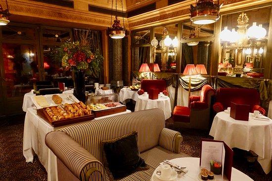 Interior - L'Hotel Photo