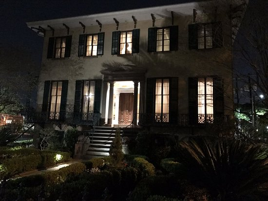 The haunted Andrew Low house in Savannah, GA. One of many stops on the Ghostwalker Tour.