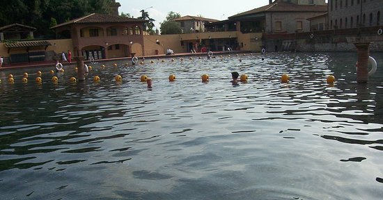Venturina Terme, Italy: Pensare che gli antichi romani già ci facevano il bagno