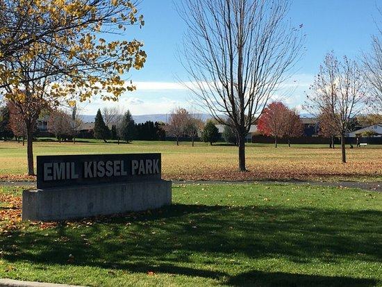 Emil Kissel Tennis Park