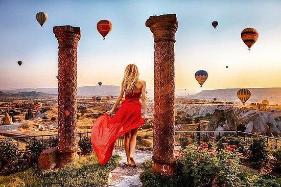 Pre-Sunrise Balloon Flight med Goreme...