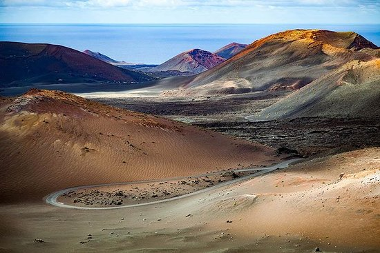 South Lanzarote Tour with Timanfaya...