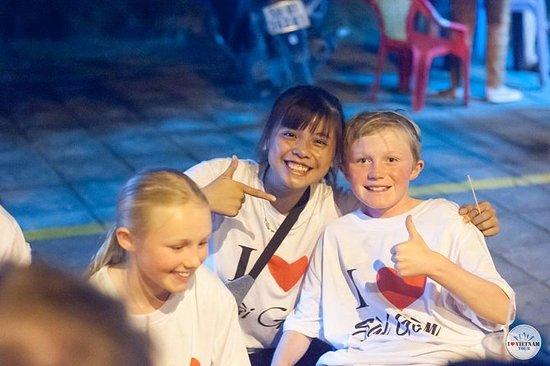 サイゴン通りの食べ物ツアー - 夜間サイゴンバイクレースバイクツアー