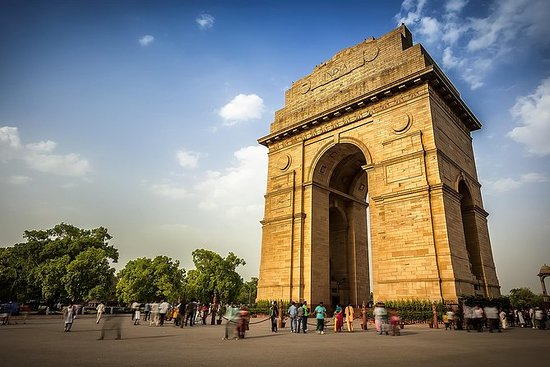 Delhi City Tour with Guide and Tempo...