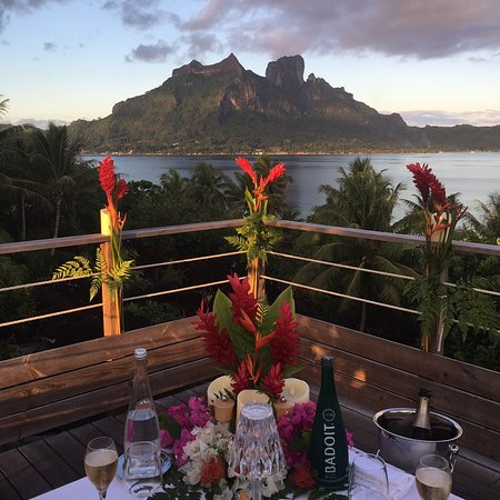 Romantic dinner package - Otemanu view