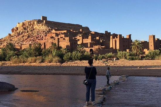 从马拉喀什到古老的Kasbah Ait Ben...