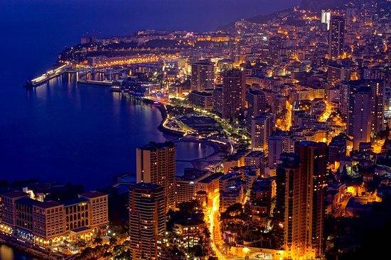 Monaco y Monte-Carlo por la noche