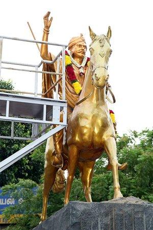 Dheeran Chinnamalai Statue