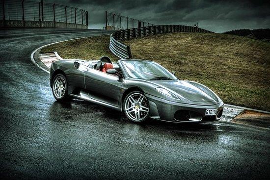 Kjør en Ferrari F430 og EVO X Hot Lap