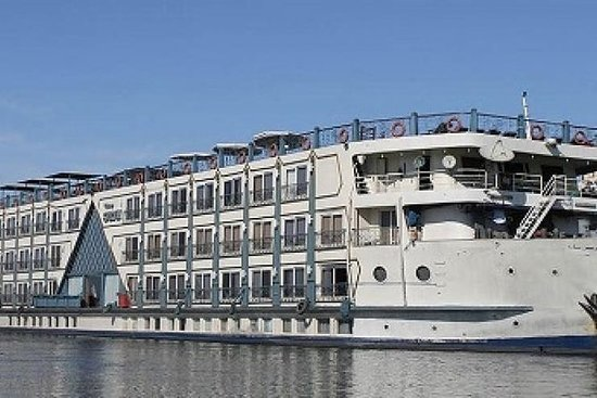 4 Day Sightseeing Cruise Along the...
