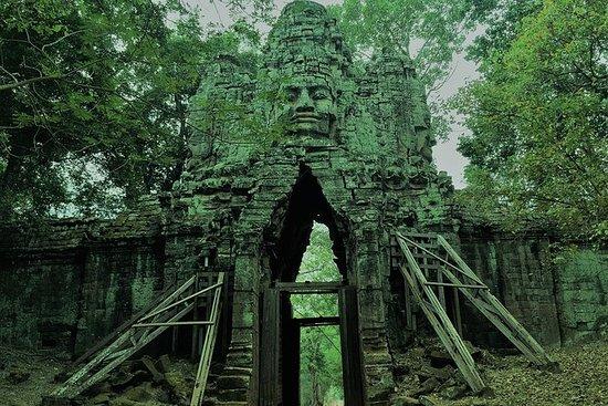 Angkor Cycling Bayon Tomb Raider