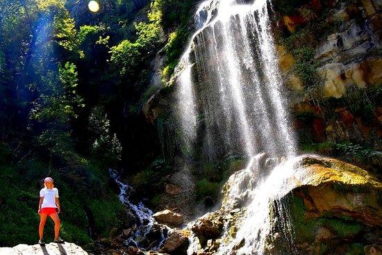 ソティラ滝へのハイキング