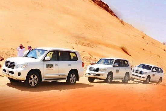 Dubai Desert 4x4 dune bashing 30 min...