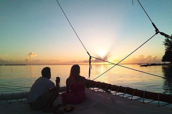 1,5 timmars privat solnedgång segling ...