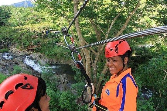Tour Completo de Fiji Eco Zipline...