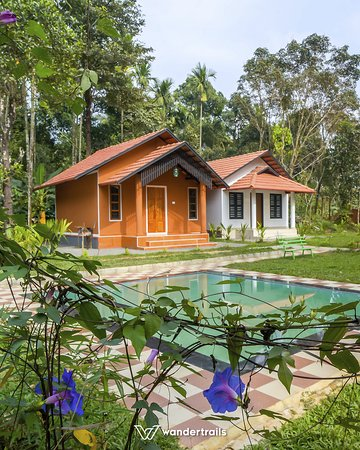 Wayanad District, Indien: Located close to the Meenmutty Falls and Banasura Sagar Dam, this boutique resort in Wayanad is your perfect weekend getaway. Enjoy a quiet weekend amidst nature in Wayanad at this resort with your loved ones. Book your rooms now : https://goo.gl/N3diQv