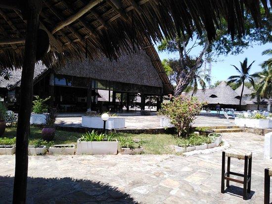 Alliance Safari Beach Hotel