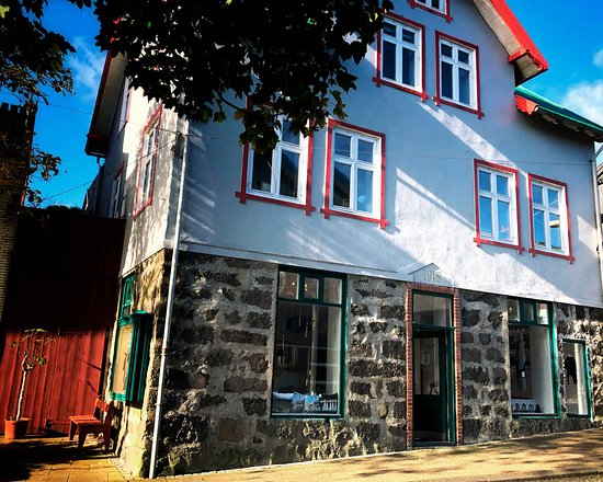 Ullvøruhúsið is located on first floor in this beautiful house in the center of Tórshavn
