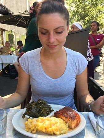 Sylvia's Restaurant: Grilled Salmon