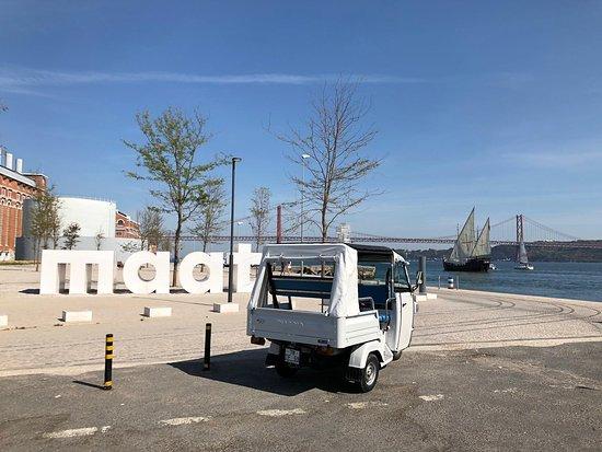 Tuker Lisbon e'tours
