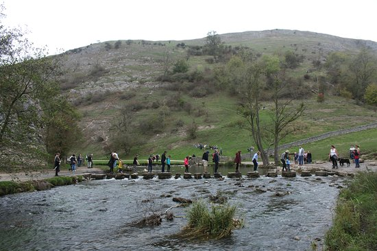 Thorpe, UK: Dovedale stepping stones