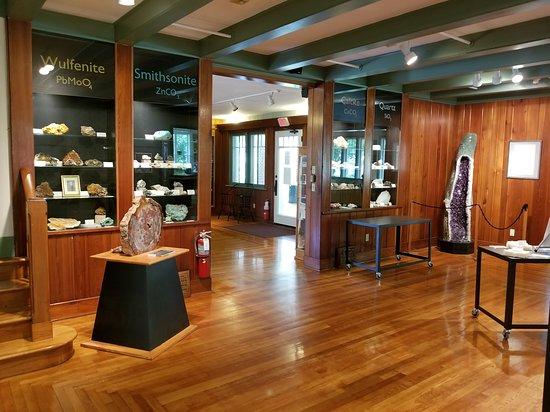 Gillespie Museum