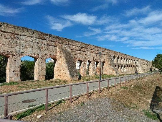 Acueducto de San Lazaro