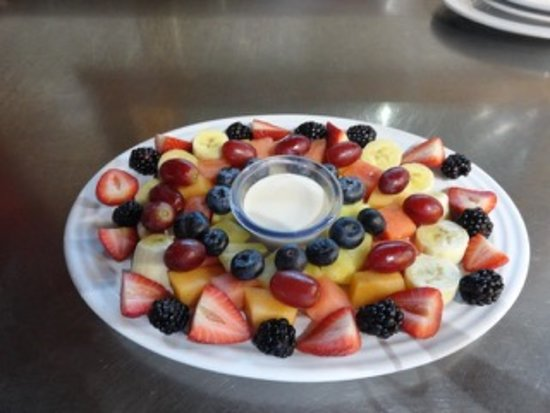 Cookson, OK: breakfast fruit plate -- note the attention to detail
