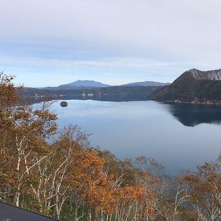 非常美麗的湖畔