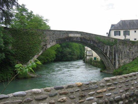 Lestelle Betharram, France: Pont du Gave L'Estelle Beth Aram