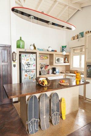 Cocina compartida (heladera, horno, anafe, microondas, pava eléctrica, tostadora)