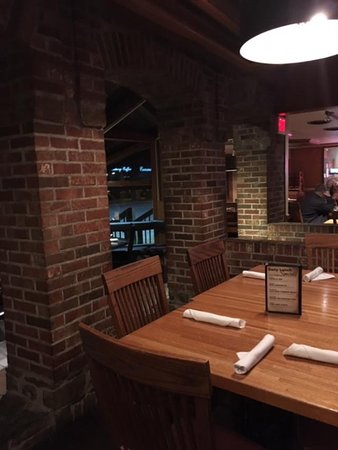 Rafferty's Restaurant & Bar: Seating Area