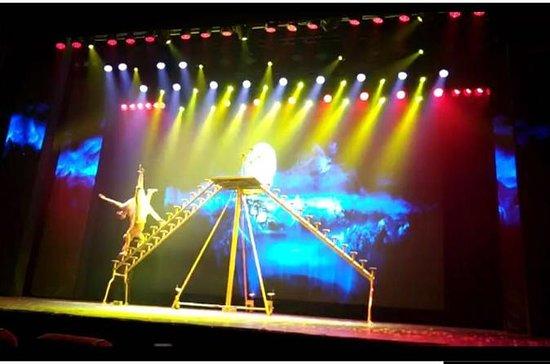 Espectáculo acrobático del teatro...