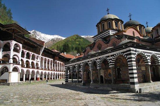 Le monastère de Rila et l'église de...