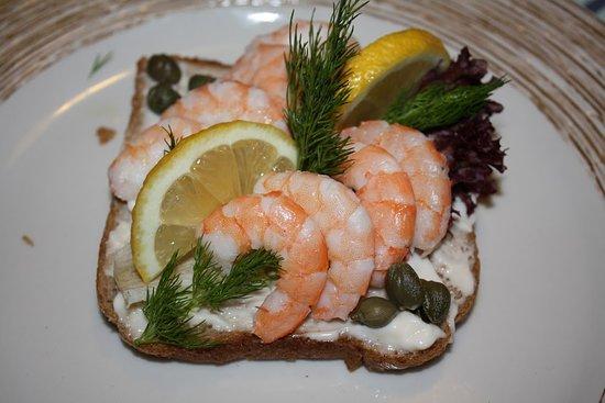 Kuzina Galerie Traditional Restaurant : Open sandwich