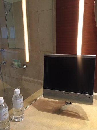 洗面所にあるテレビ