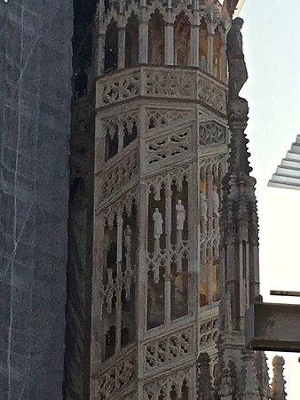Dôme de Milan : lesser spire with spiral staircase