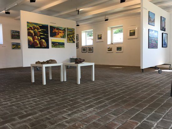 Helnaes, Denmark: Nye udstillinger hver måned