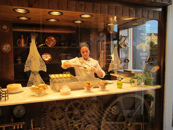 Casa Portuguesa do Pastel de Bacalhau: See the codfish cakes being made on the spot!